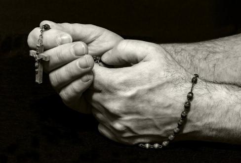 Desmit iemesli, lai lūgtos Rožukroni