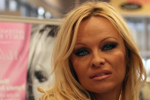 Pamela Andersone atklāti par pornobiznesu: