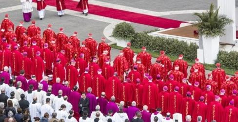 """""""Svētība homoseksuāliem pāriem""""? Tam ar Baznīcu nav nekāda sakara"""