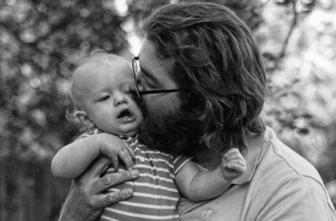Ilgojoties pēc tēvišķas mīlestības